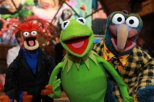 Pepe the Prawn, Kermit the Frog, and Gonzo