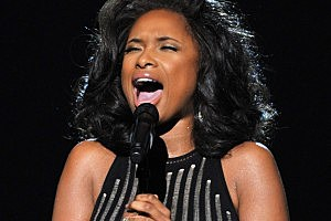 Jennifer Hudson Sings At The Grammys