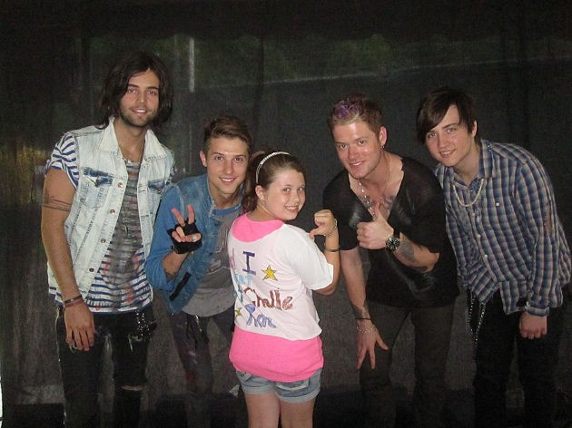 nicole and Hot Chelle Rae