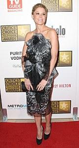 Julie Bowen crazy awards show dress