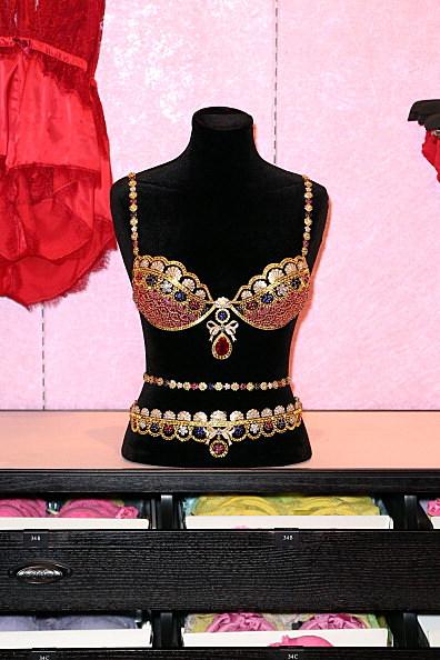 Victoria's Secret Reveals The Royal Fantasy Bra