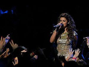"""Jacquie Lee from Colts Neck performs on """"The Voice"""""""