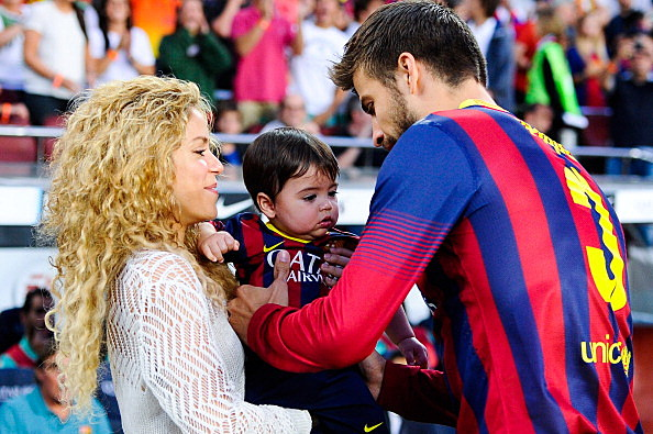 shakira with her son and boyfriend