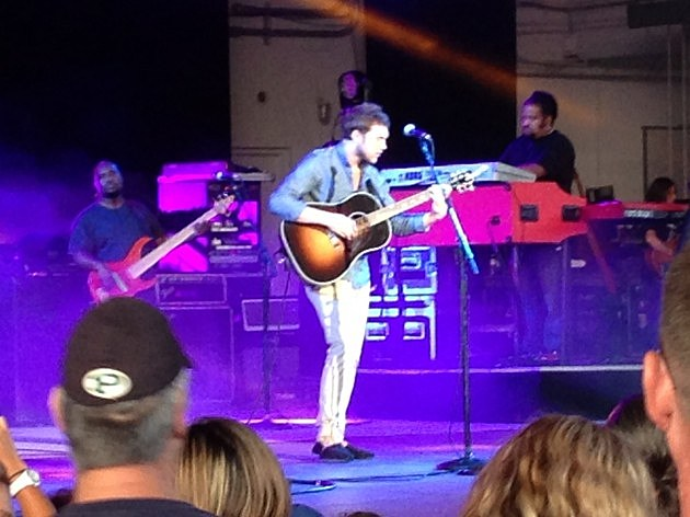 Phillip Phillips live