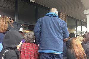 Bon Jovi Appears At Toms River Soul Kitchen