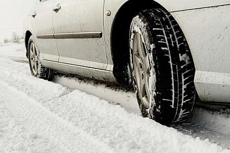 car the snow